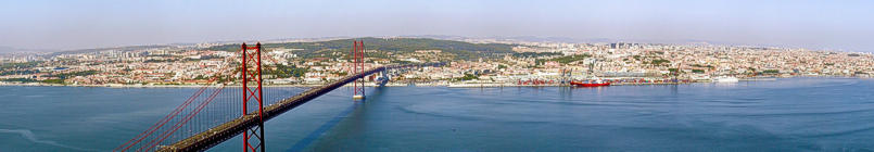 Lisbon viewed from the souhern bank of the Tagus river