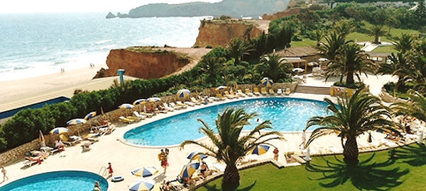 Initial page of Jardim do Vau Resort, Self-catering ...