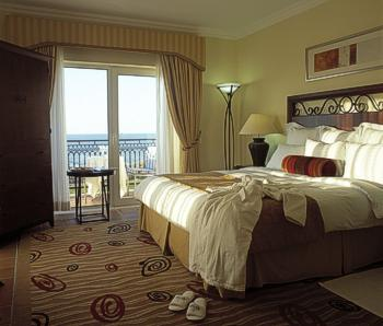 Mercy's House Hotel-marriott-room-01
